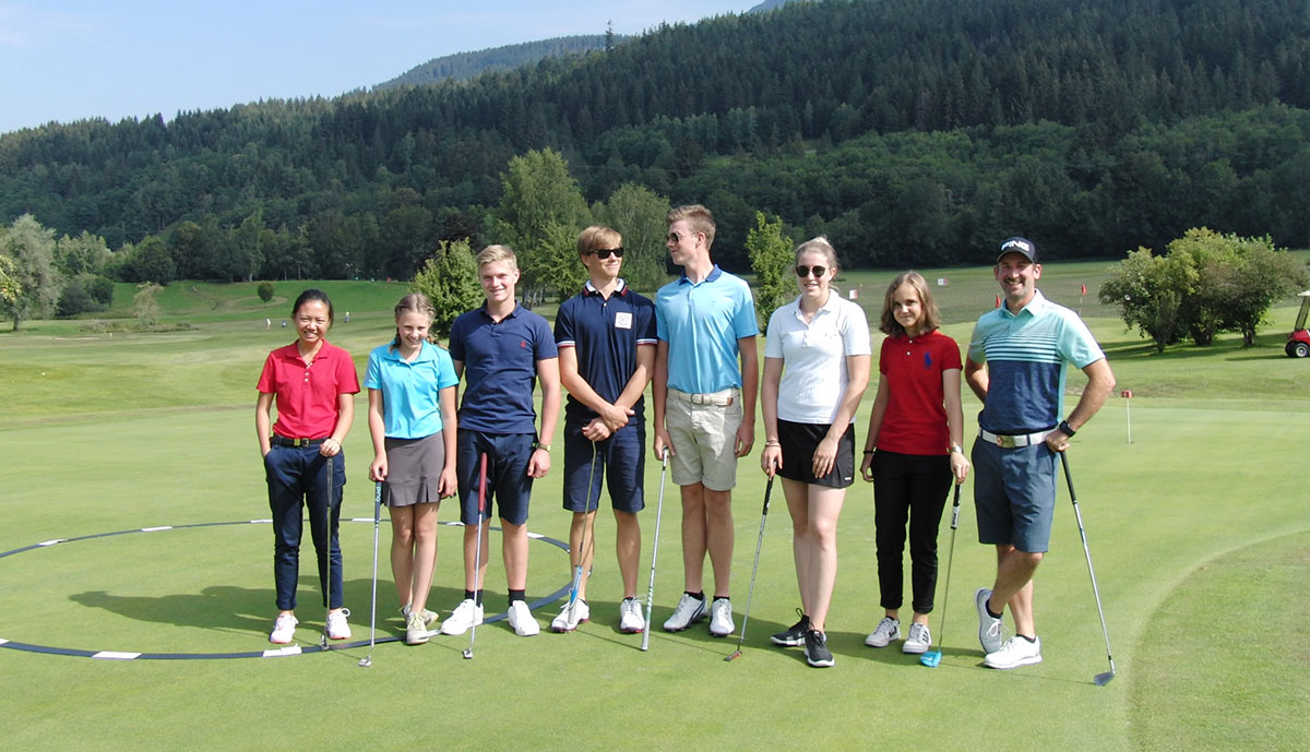 Golf Feriencamp in den Sommerferien in Zell am See, Österreich.